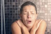 Vì sao đột quỵ thường xảy ra khi tắm