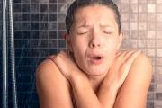 Tắm gội đúng cách trong mùa đông lạnh để an toàn và khỏe mạnh