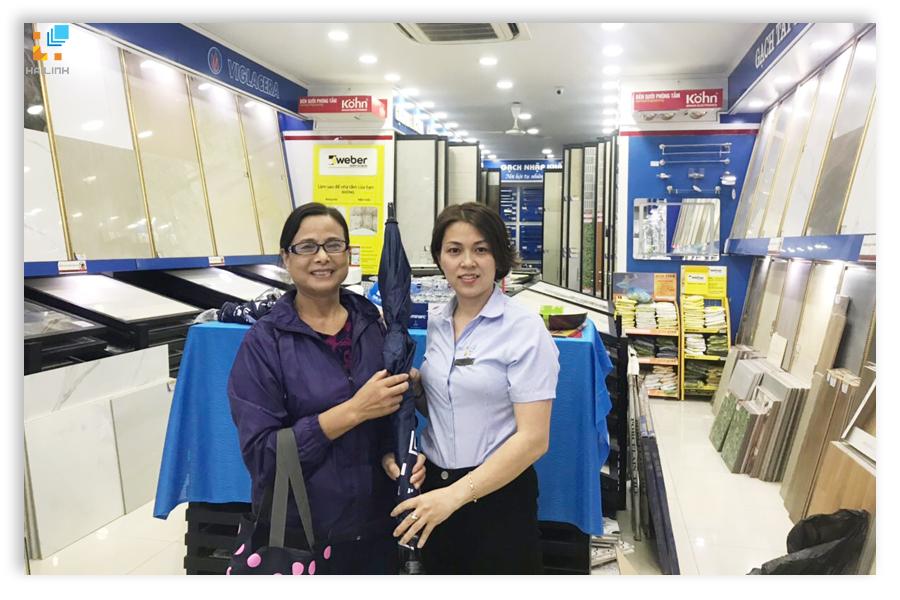 Cô Thủy ở Hoàn Kiếm, Hà Nội
